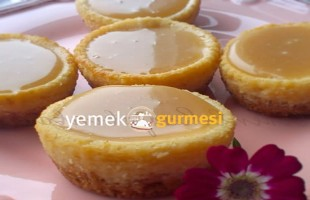 Fıstık Ezmeli ve Karamelli Mini Cheesecake